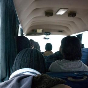 Bus Jordan Petra Snow