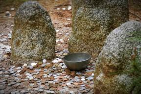 Offerings at Rokuon-ji