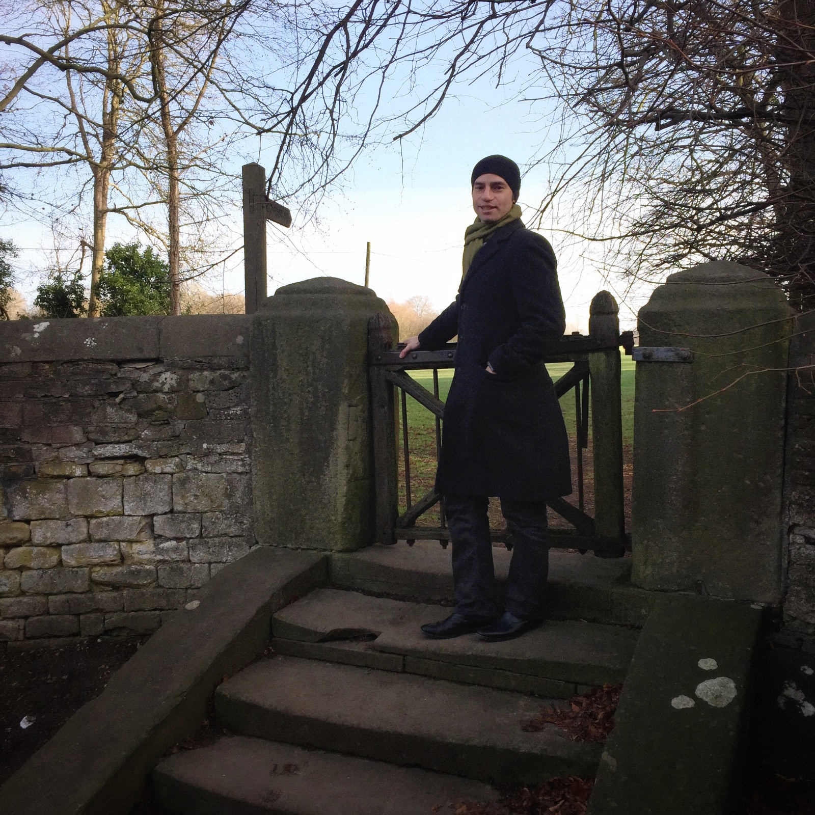 In which I introduce my smashing husband to the pleasures of English foot paths