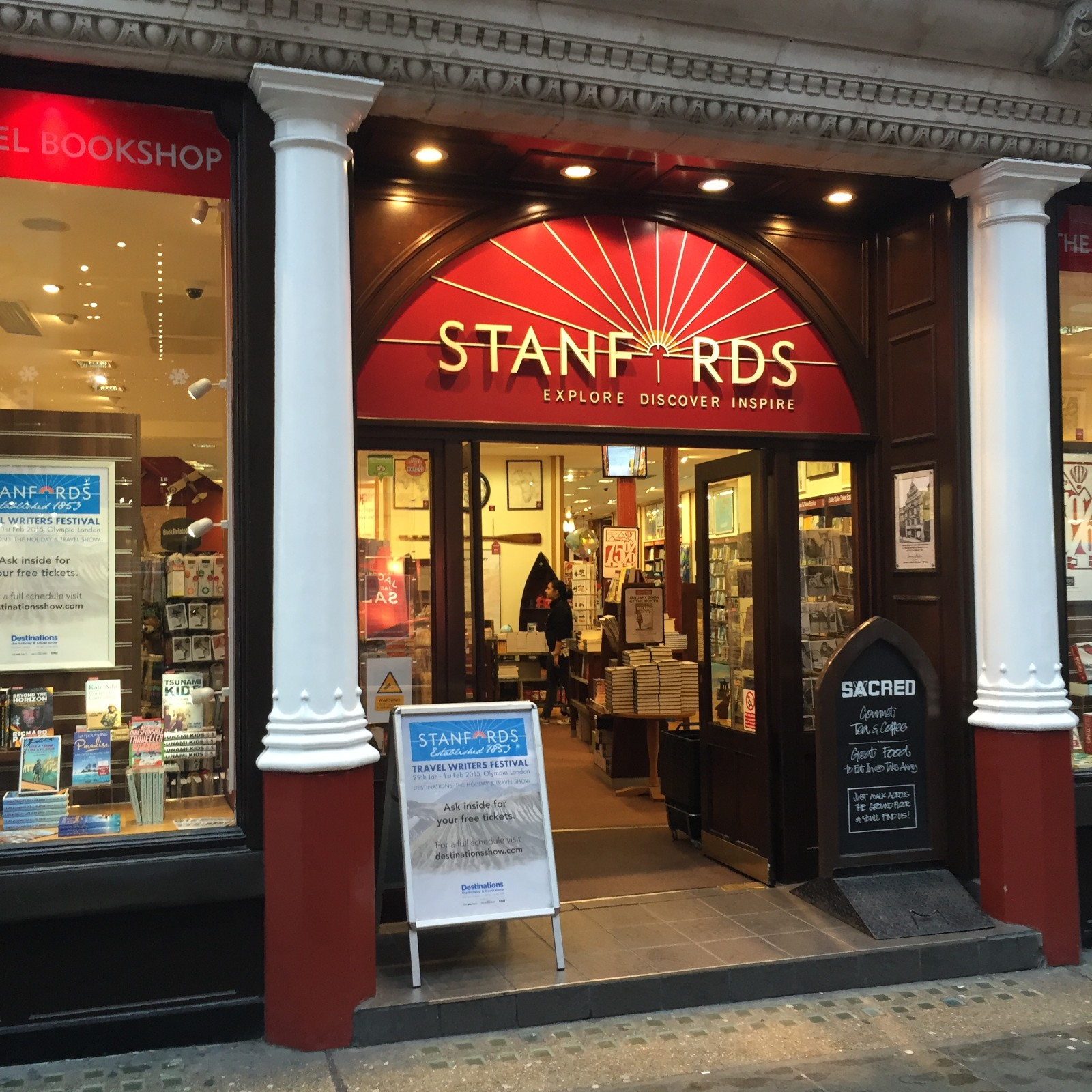My day started in London, the moment this store opened. If you need a map, this is the best place I have ever seen.