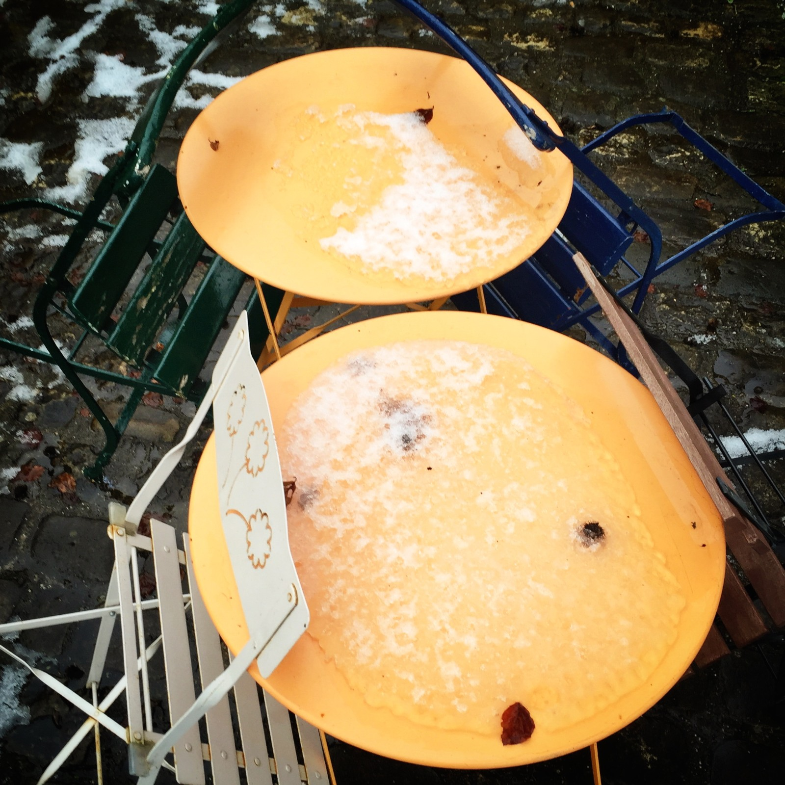 Luxembourg_Orange Tables