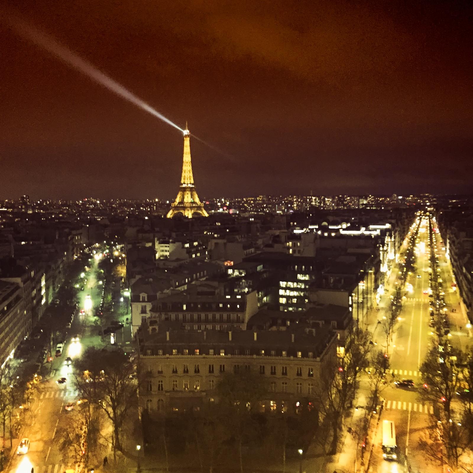 Night Arc de Triomphe.