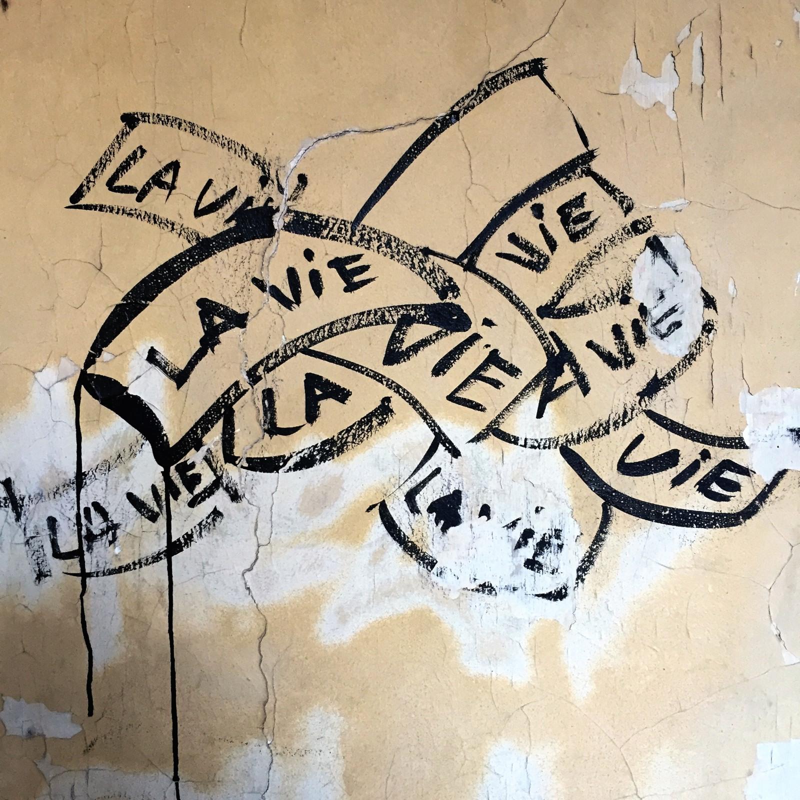 Paris_Street Art La Vie Marker