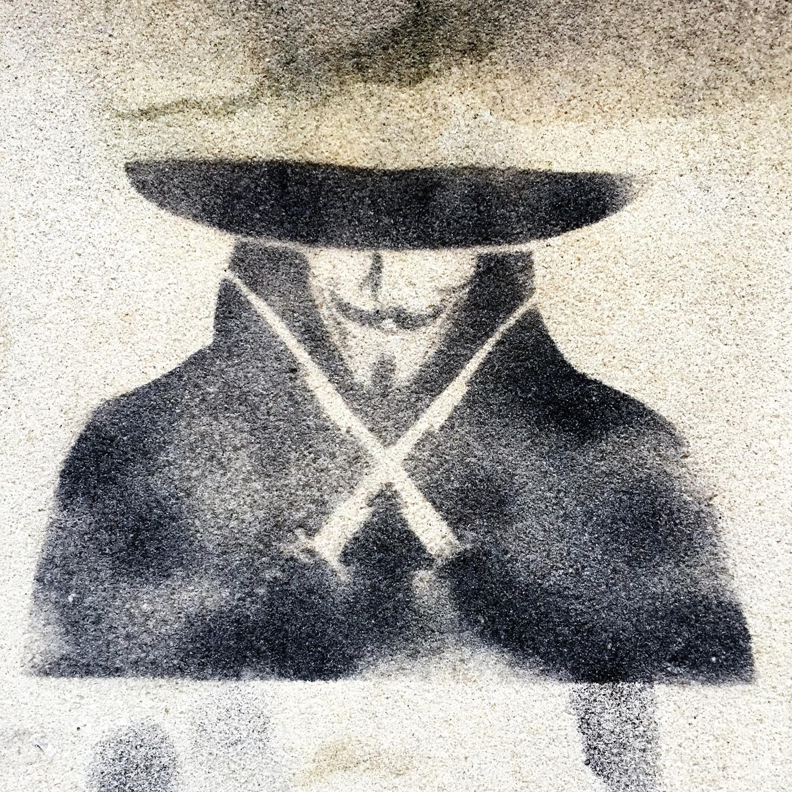 Paris_Street Art Stencil Anonymous